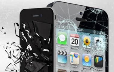 Zamena stakla na telefonu, zamena touchscreen-a ili kompletnog ekrana.