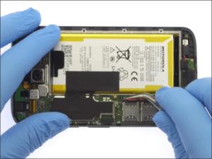 Zamena baterije na Motorola Moto G4 i G4 Plus – Doktor Mobil