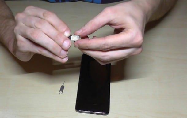 Zamena ili popravka citaca SIM kartice na Huawei Mate 20 Pro