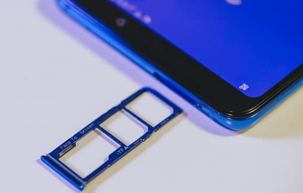 Zamena ili popravka citaca SIM kartice na Samsung Galaxy A9 (2018)