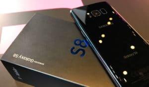 samsung s8 kutija i telefon